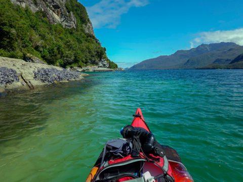 Circunnavegacion en Kayak a la Isla Magdalena canal calqueman