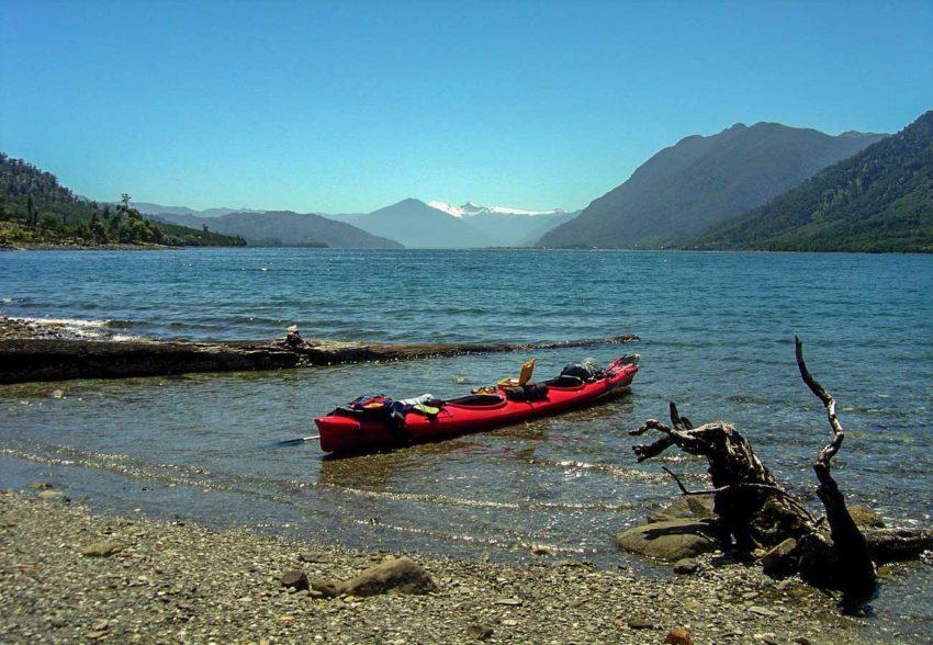 Expedicion en Kayak a los Fiordos Isla Llancahue