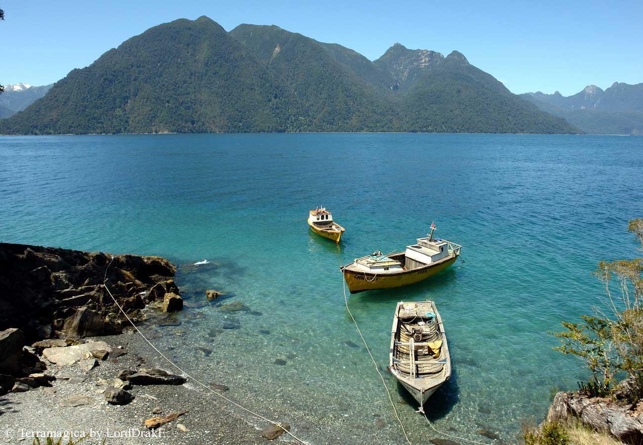 Expedicion en Kayak a los Fiordos Paisajes de Quiaka