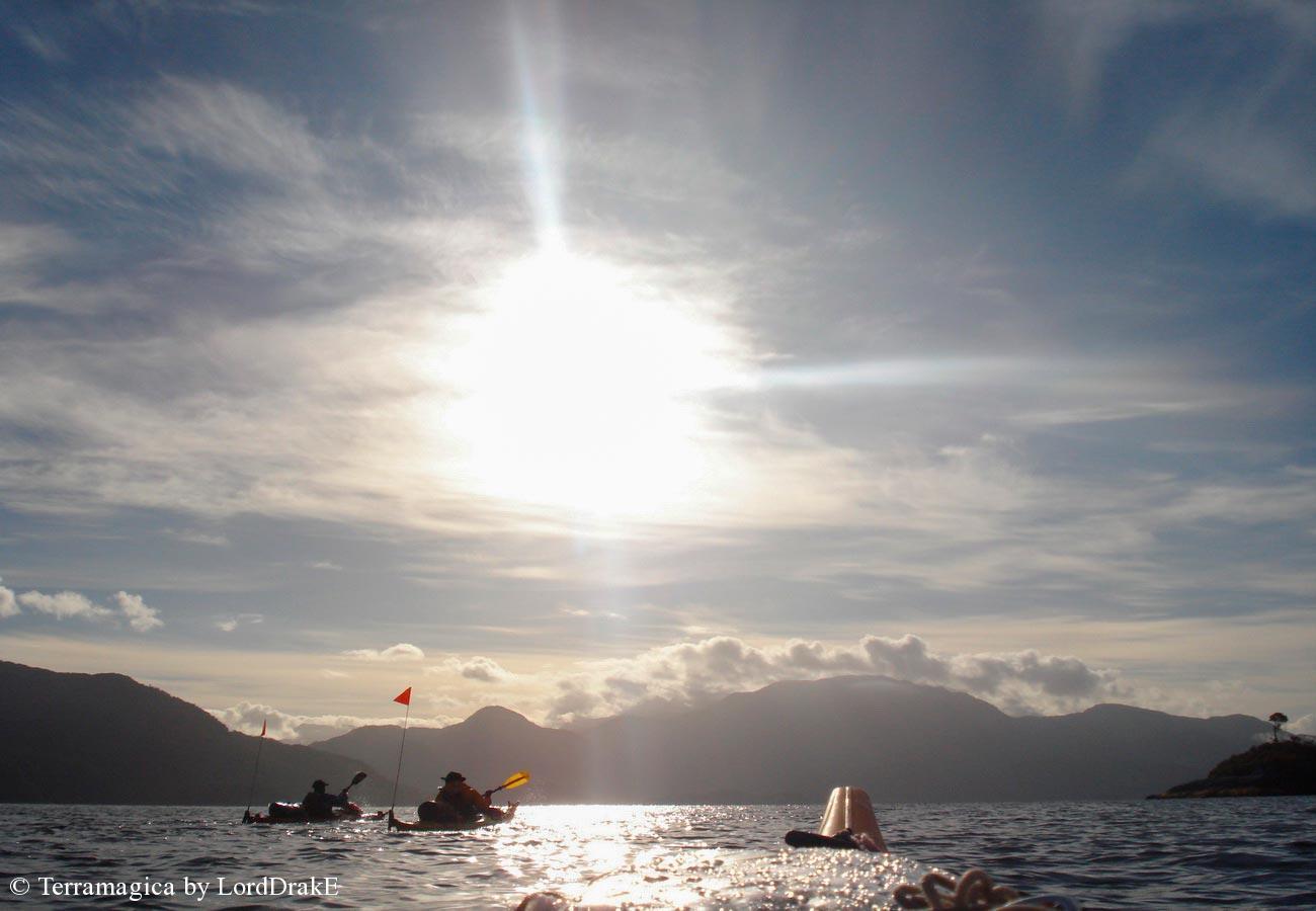 Expedicion en Kayak a la Isla Magdalena cruzamdo el canal Jacaff