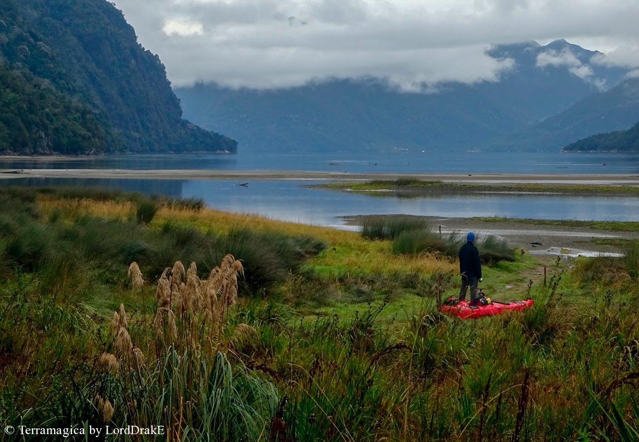 Expedicion en Kayak a los Fiordos fiordo Cahuelmo