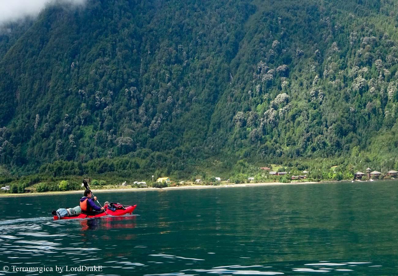Expedicion en Kayak a los Fiordos Fundacion Huinay