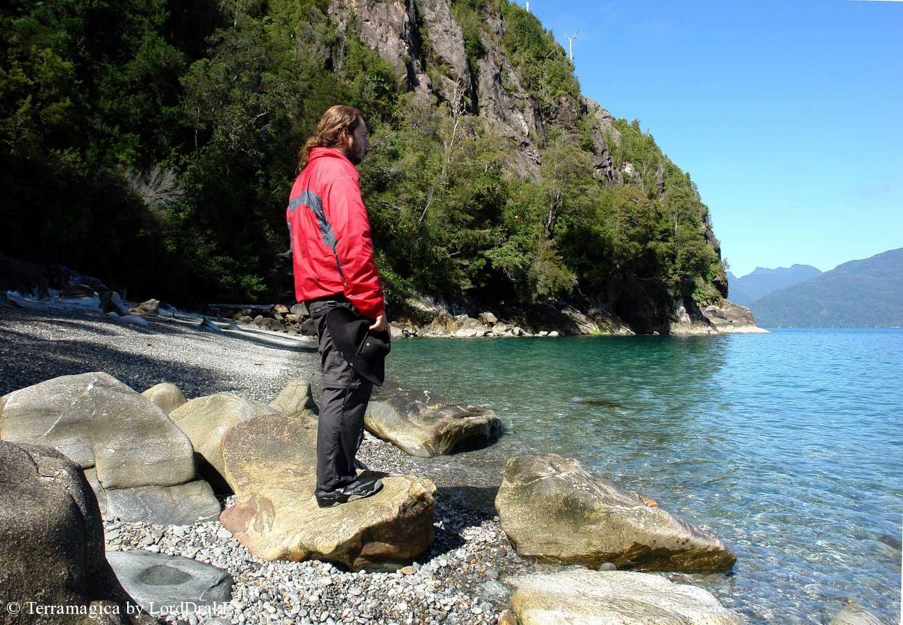Expedicion en Kayak a los Fiordos Una ultima mirada al paraiso desde Caleta Gonzalo