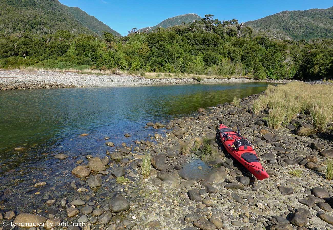 Circunnavegacion en Kayak a la Isla Magdalena caleta cordovez