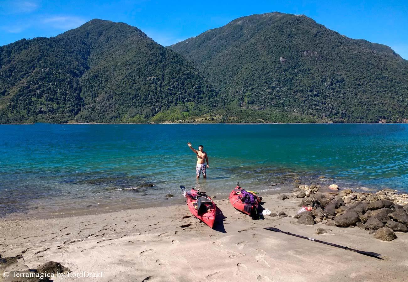Expedicion en Kayak a los Fiordos hermosas playas