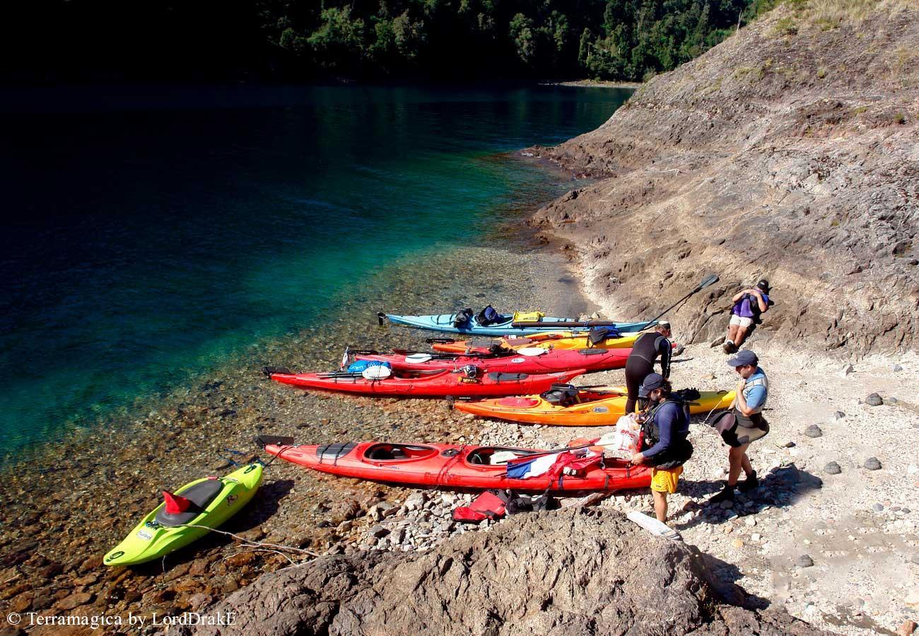 Travesia en Kayak al Lago Rinihue desembarco en la Isla