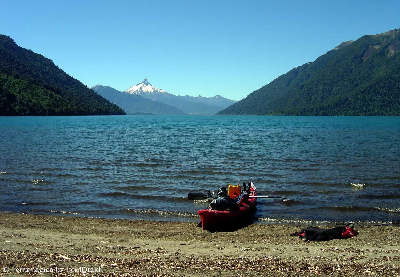 Travesia en Kayak al Lago Todos los Santos fondo de Cayutue