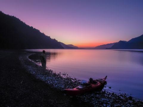 Travesia en Kayak al Lago Rinihue atardecer del Lago Rinihue