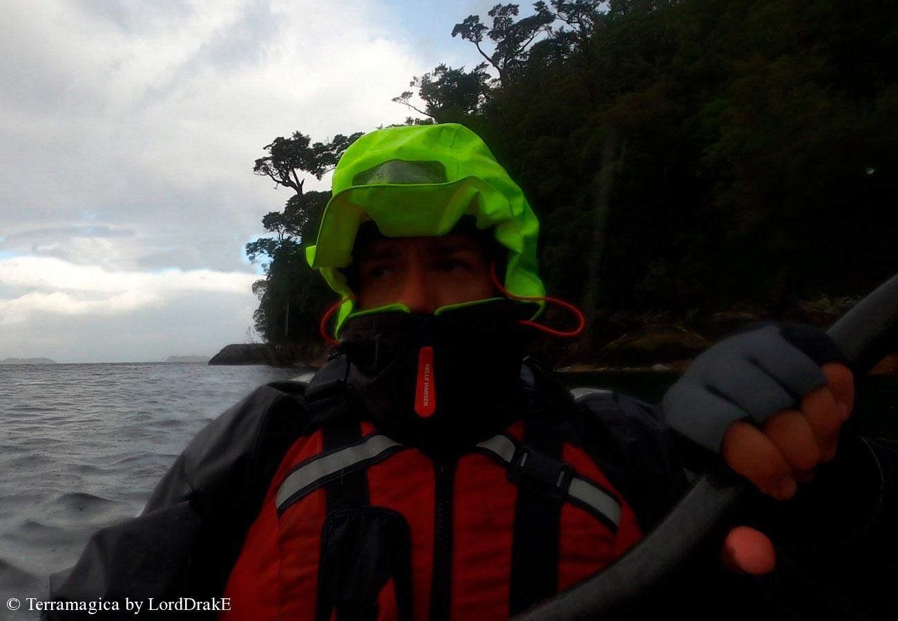 Circunnavegacion en Kayak a la Isla Magdalena lluuvia